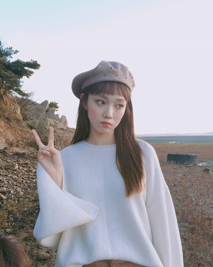actress-and-singer-lee-sung-kyung-will-play-as-weightlifter-in-mbc-new-drama-weightlifting-fairy-kim-bok-joo